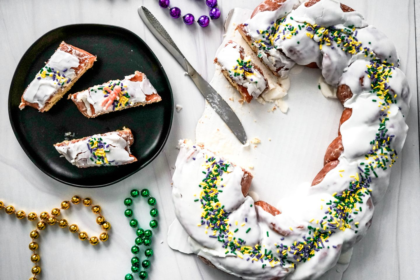 thee heavenly donut king cake